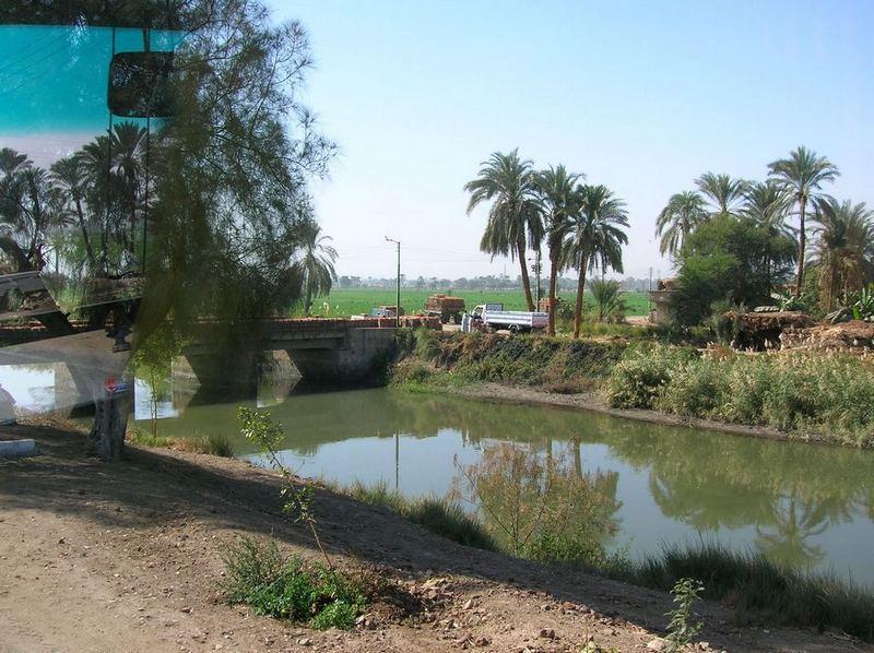 Облако, озеро, баКшня... (Набоков в Египте) Фото - vladimir & irina
