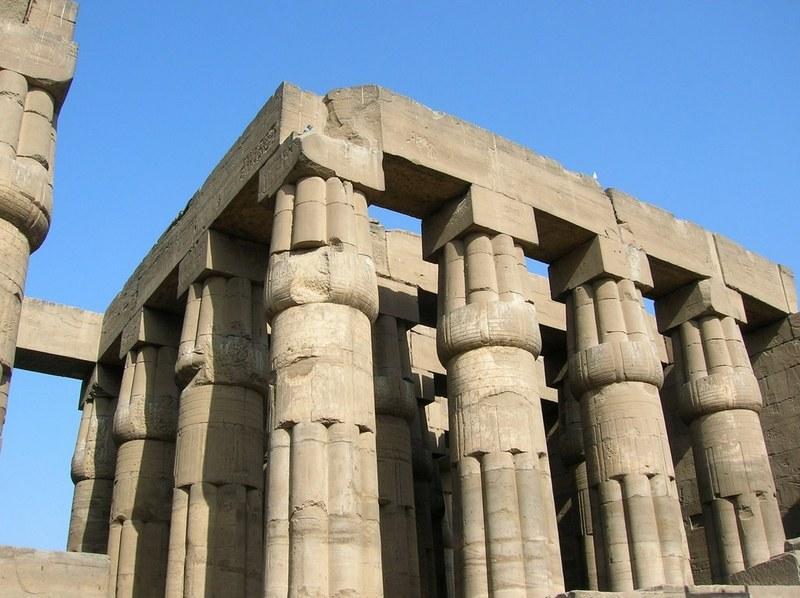 Колонны Кремлевского Дворца Тутанхамона Семнадцатого - Фараона и Пятого Съездов. Фото - vladimir & irina